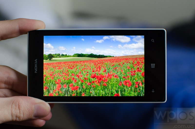 Lumia-525-obzor-display-2