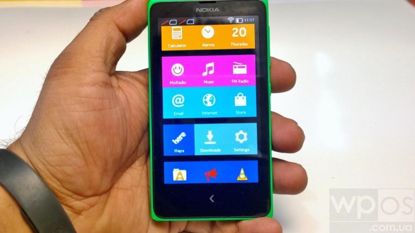 Nokia X экран