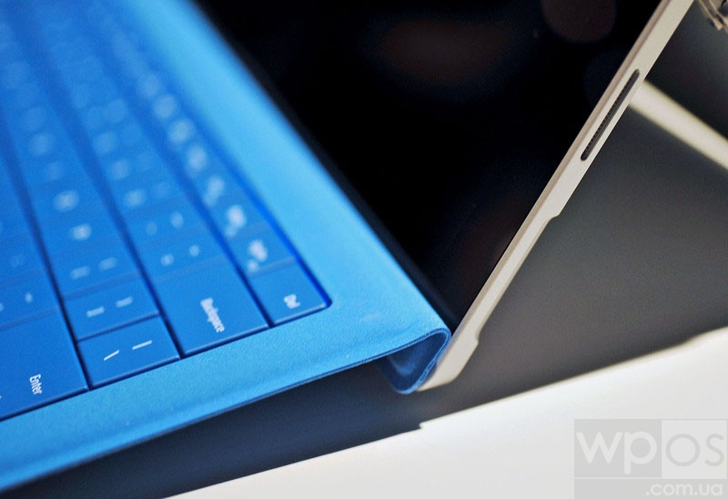 Surface_Pro_3_keyboard_mag
