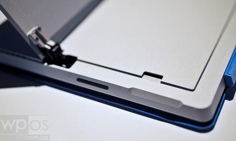 Surface_Pro_3_microSD