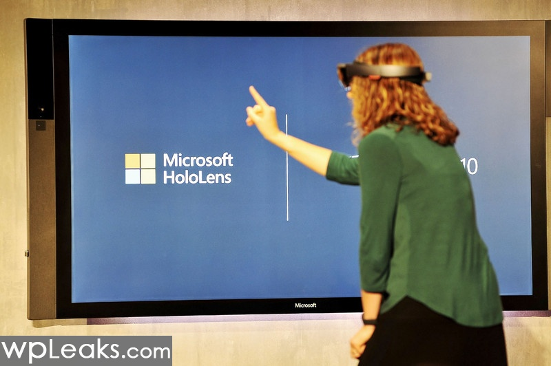 HoloLens-finger-demo-stage