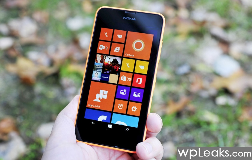 Lumia_630_Review_hand_lede_orange