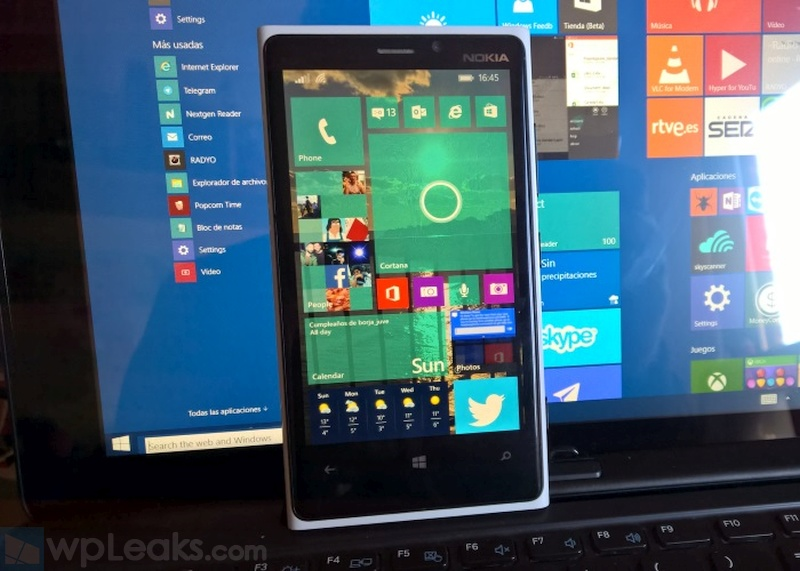 windows-10-en-nokia-lumia-920-con-window-10-en-PC