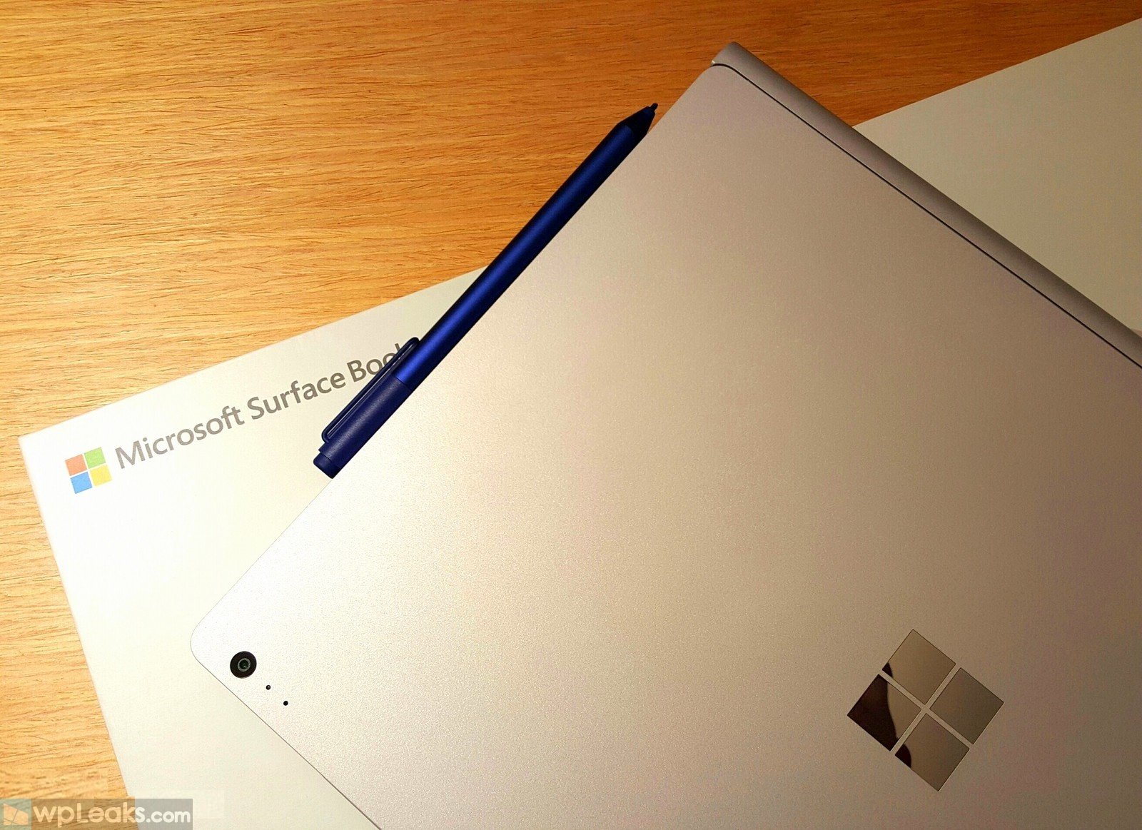 surface-book-logo-pen