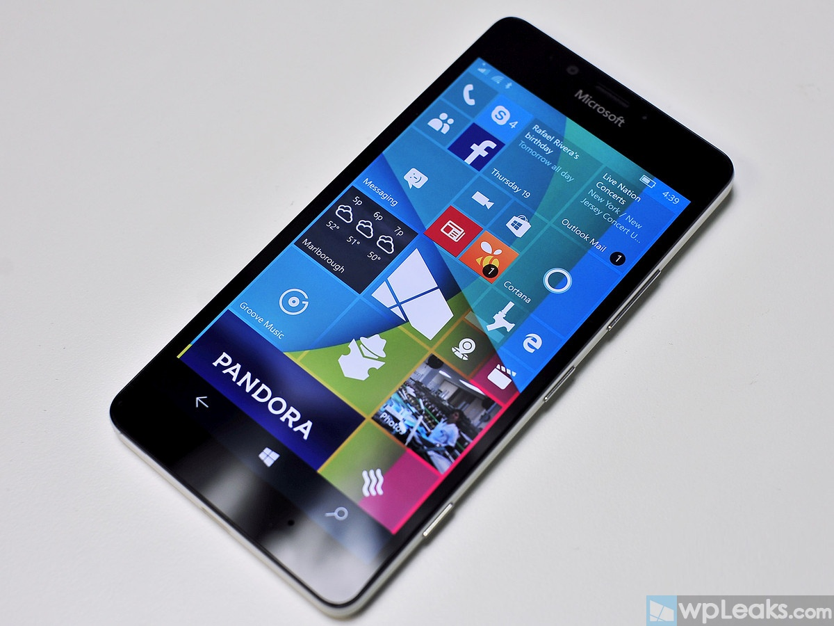 Lumia-950-hero-review-front