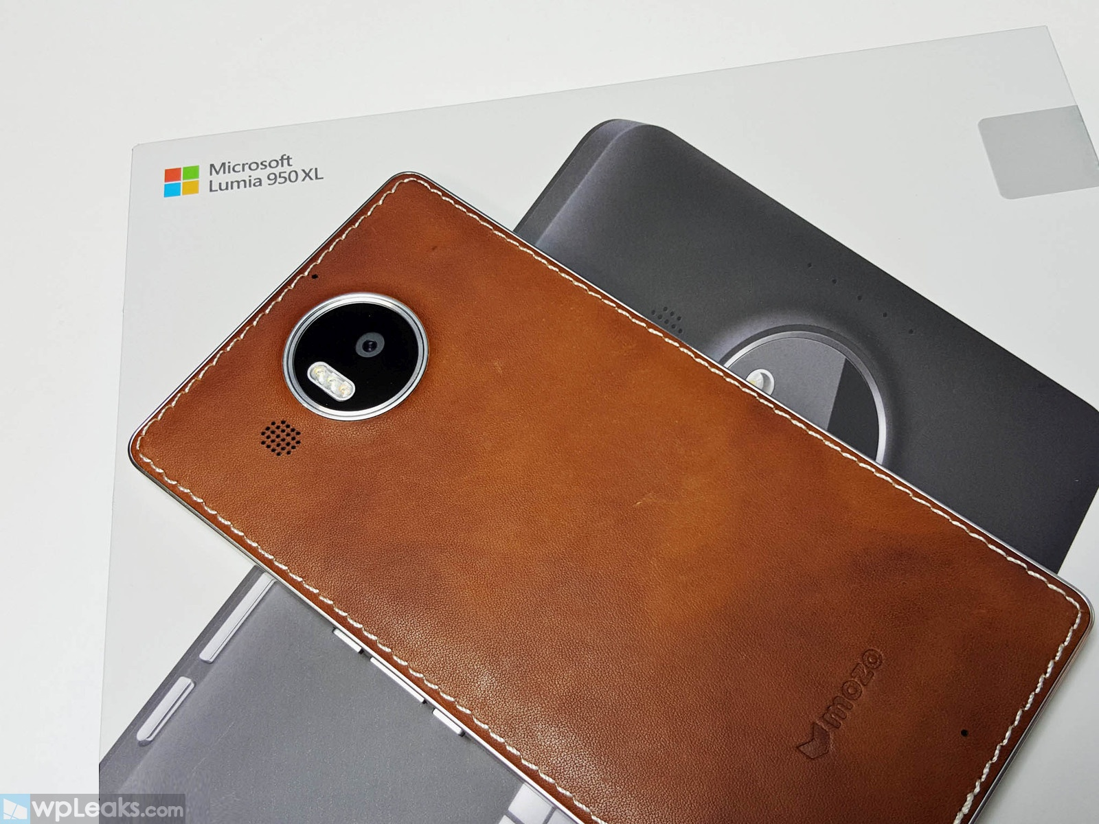 Lumia-950xl-mozo-box