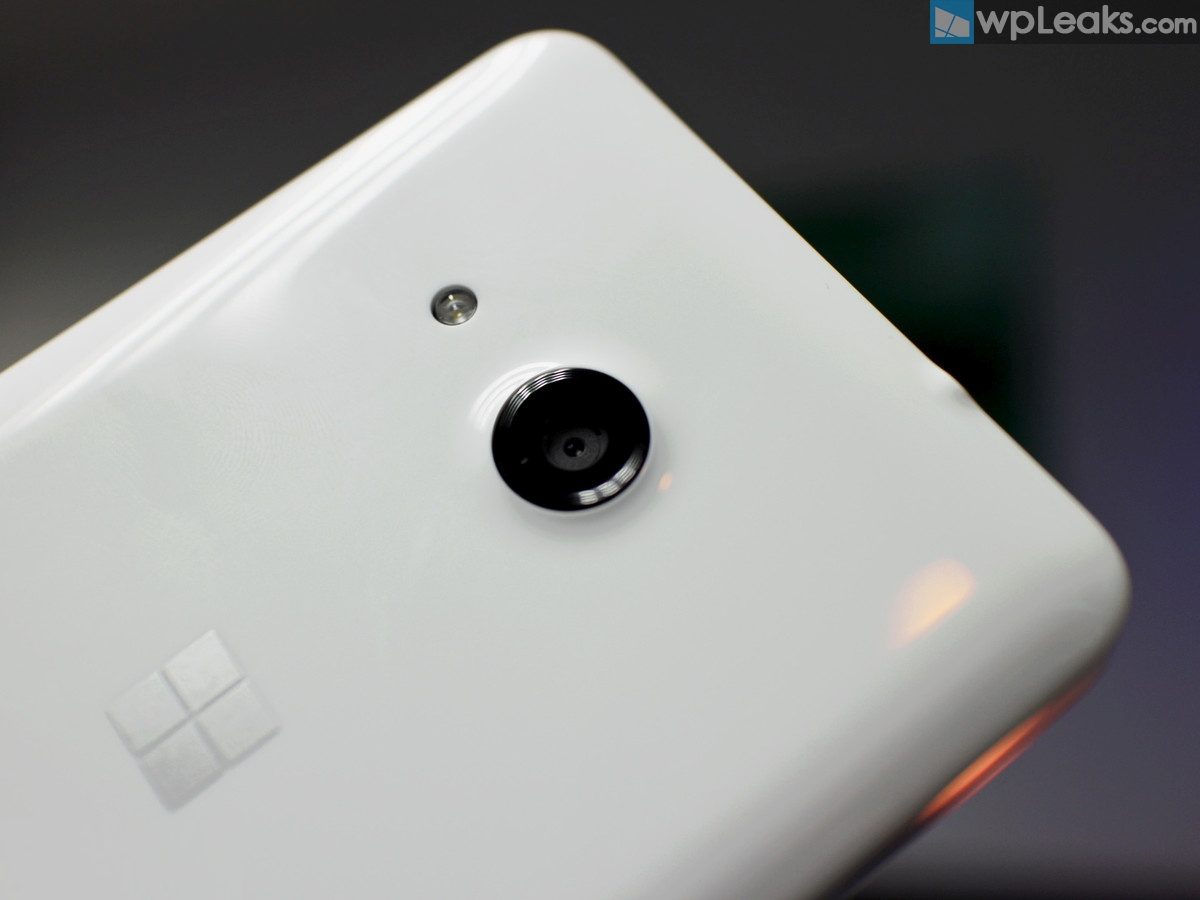 Lumia-550-camera-white