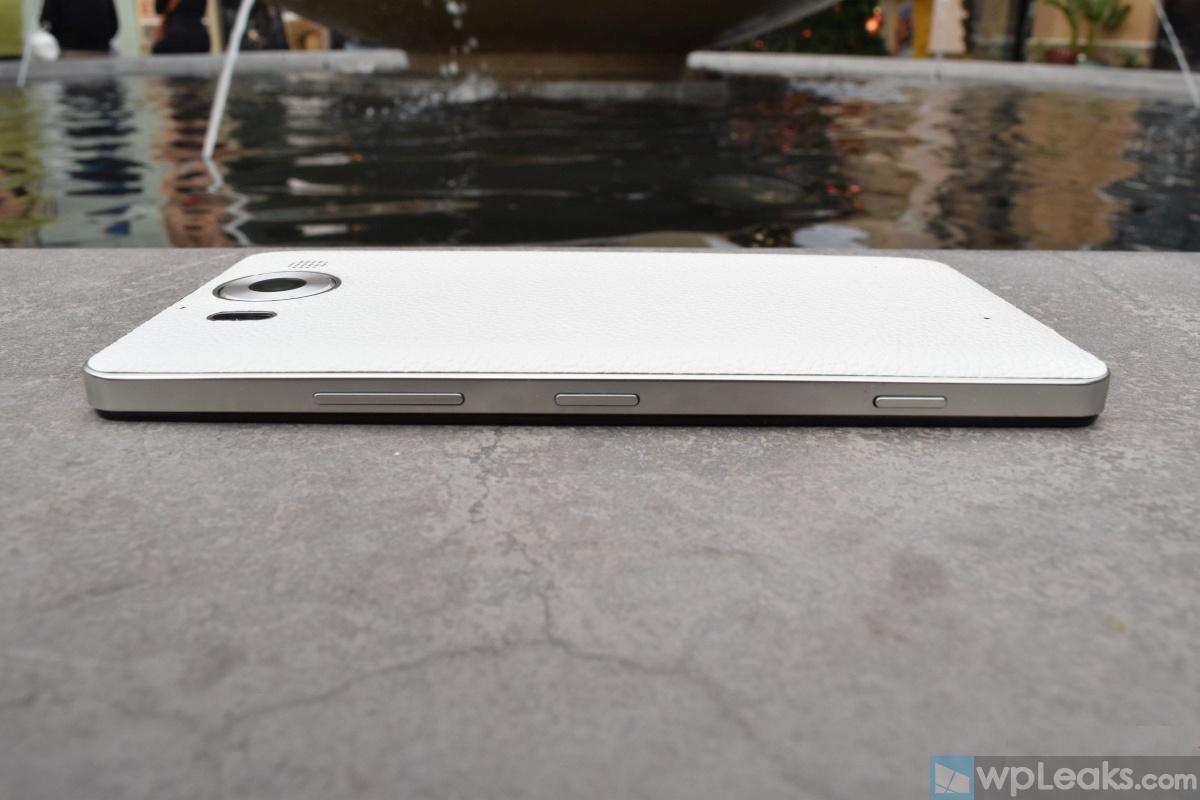 Mozo-Lumia-950-White-02