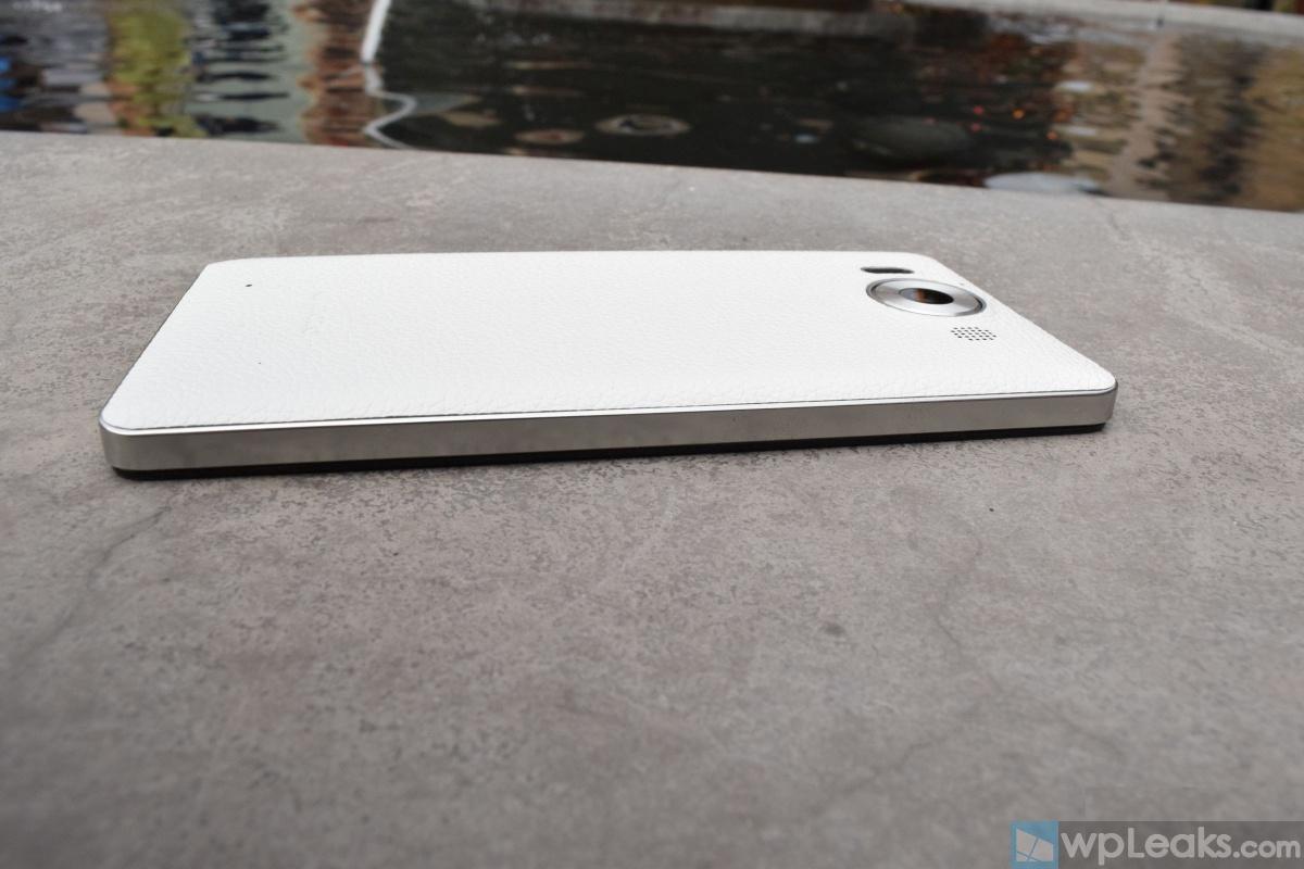 Mozo-Lumia-950-White-05