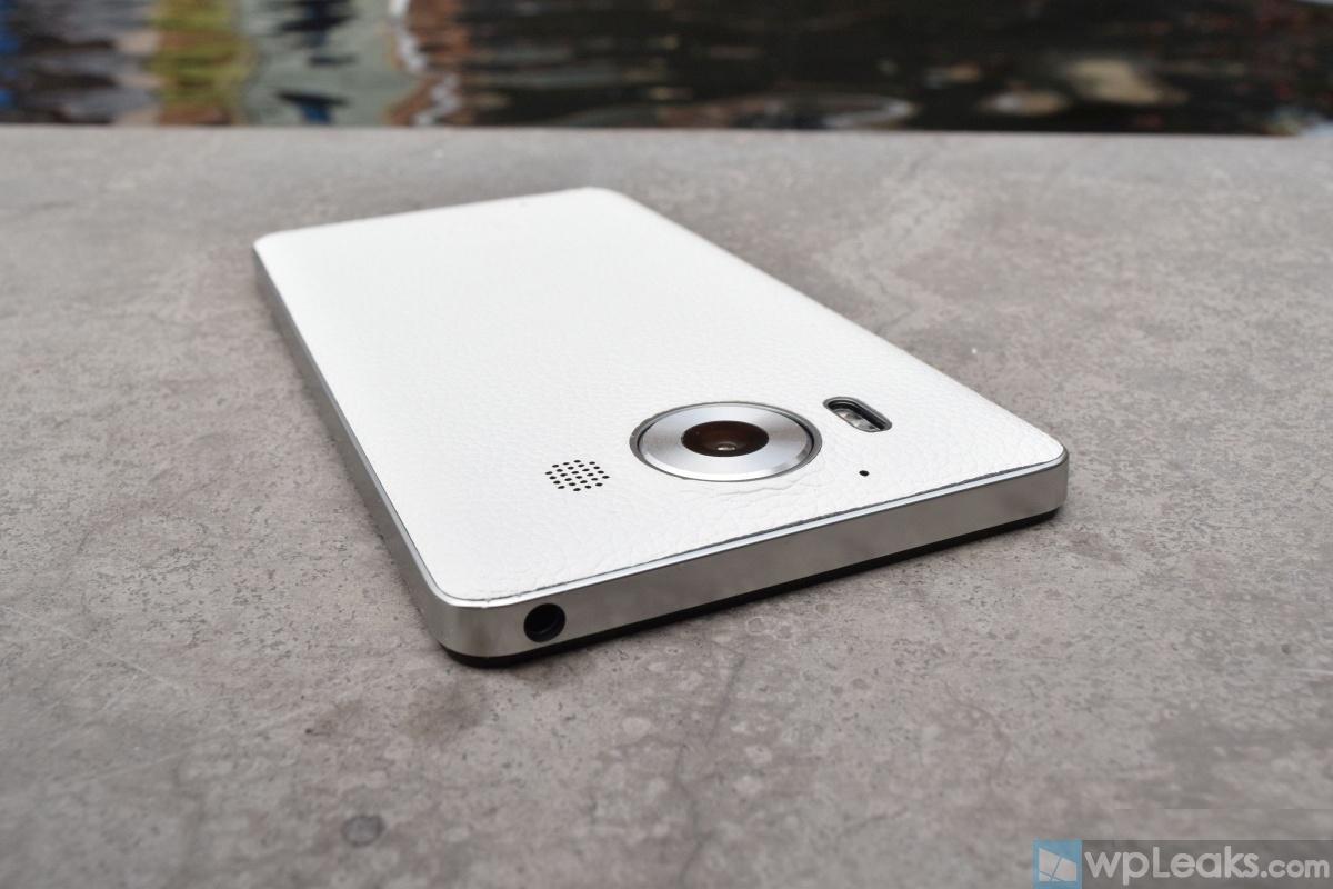 Mozo-Lumia-950-White-12