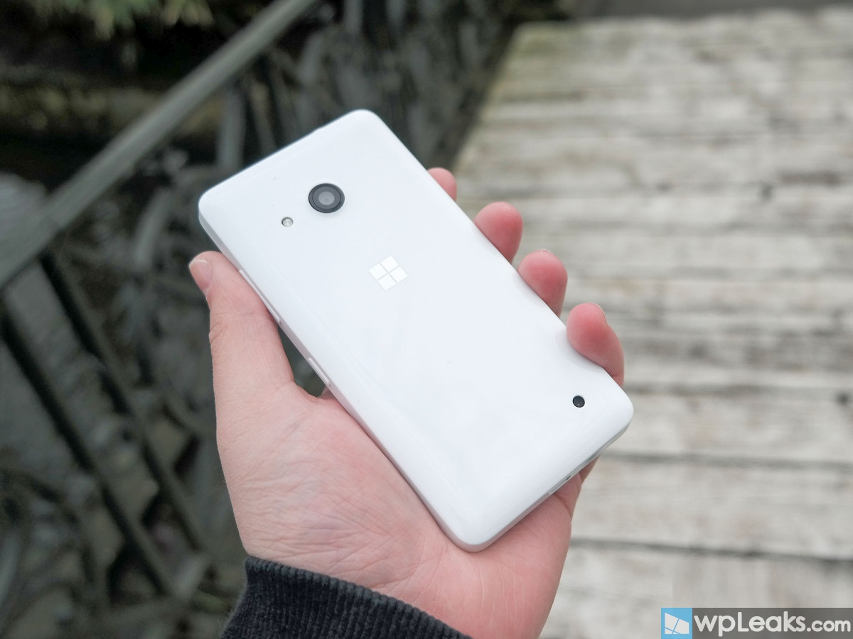 lumia-550-rear-white-hand-angle