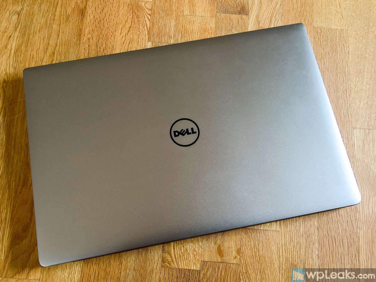 dell-xps-15-top-down