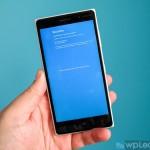 При установке Windows 10 Mobile появляется синий ...
