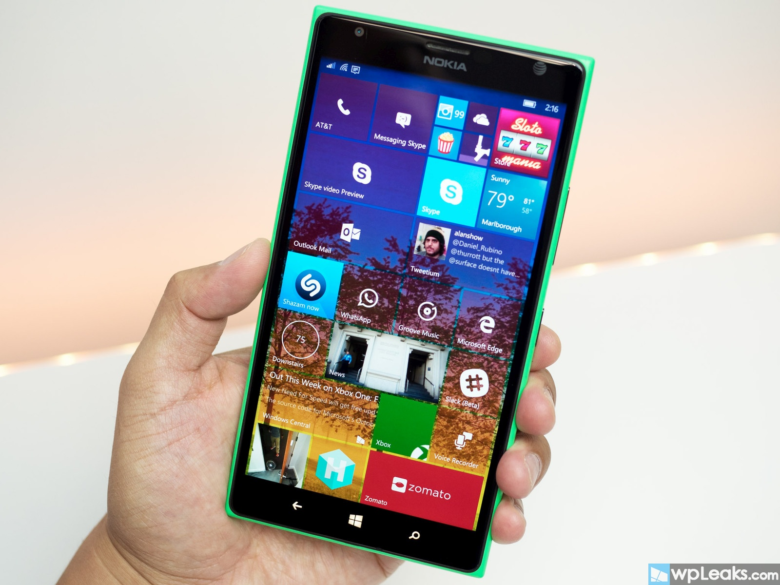 windows-10-mobile-tiles-new-lumia-1520
