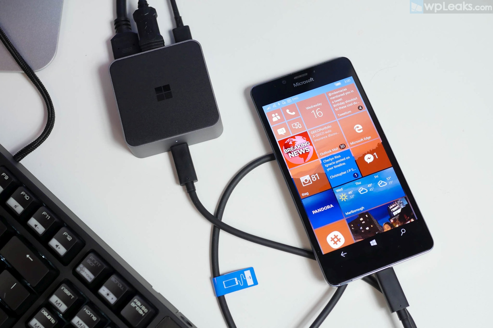 lumia-950-continuum-display-dock